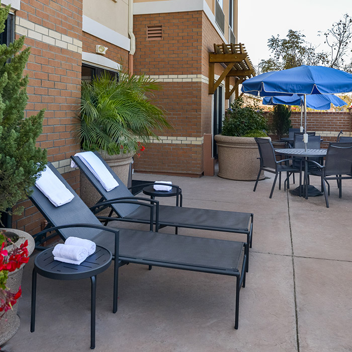 Marriott hotel, pool, AAA discounts, patio, fitness